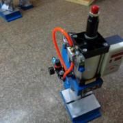 定做指尖陀螺脚踏压力机气动冲床 500公斤出力 小型气动冲床